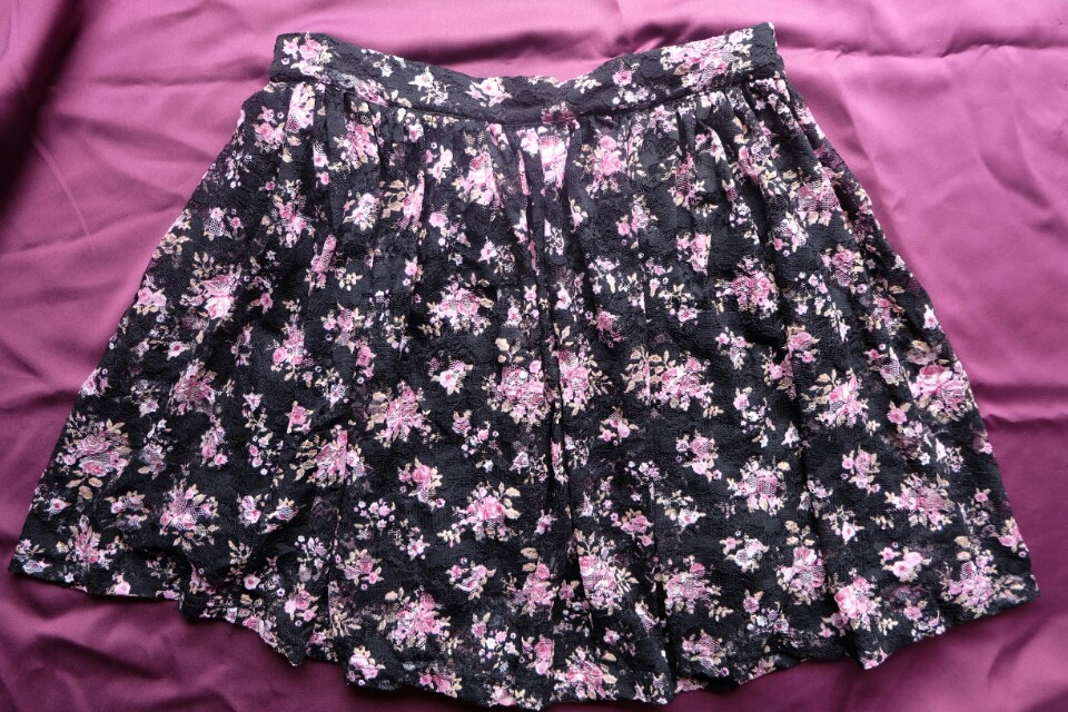 F21 Skirt Flare Short Black