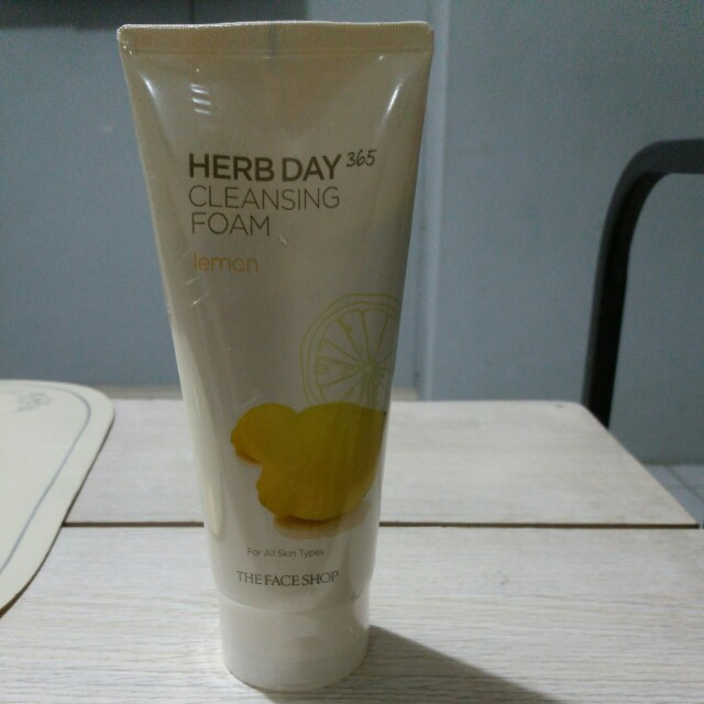Face Shop Herbday Cleansing Foam 3 variants