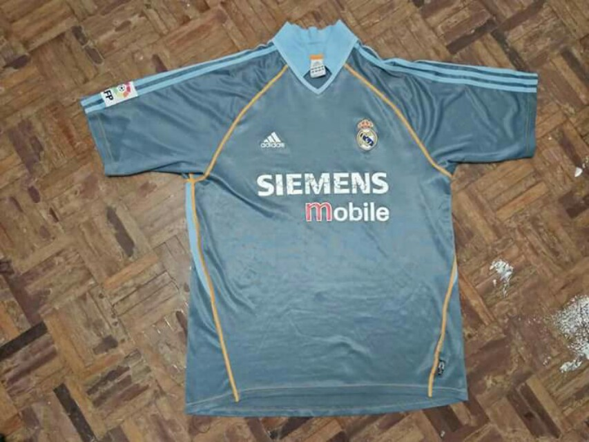 new concept 0cadc 223aa 2003-2004 Real Madrid 3rd Kit