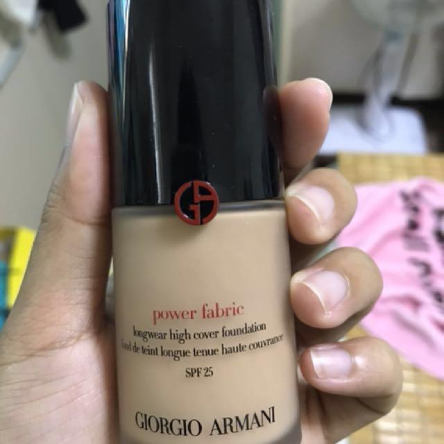 Giorgio Armani完美絲絨水慕斯4號色