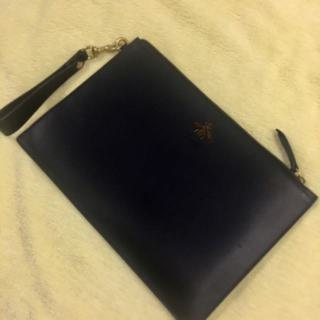 d5f0b7501 Gucci Bee Embroidered Black Leather Pouch (For Men)