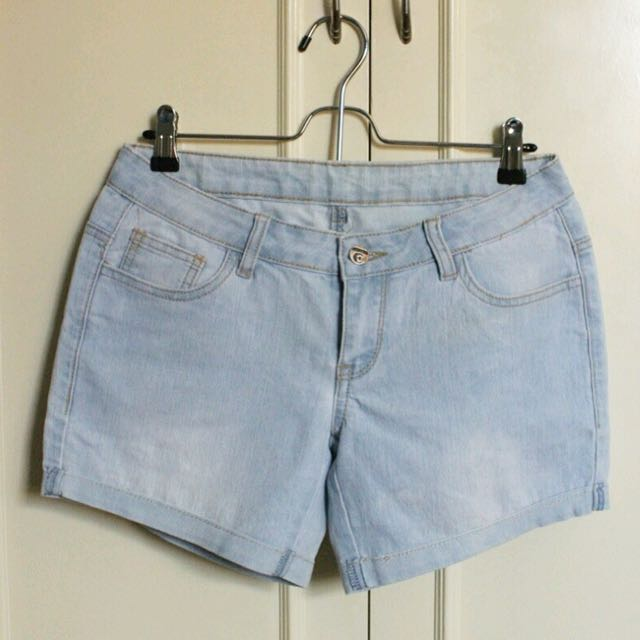 Light blue rags shorts