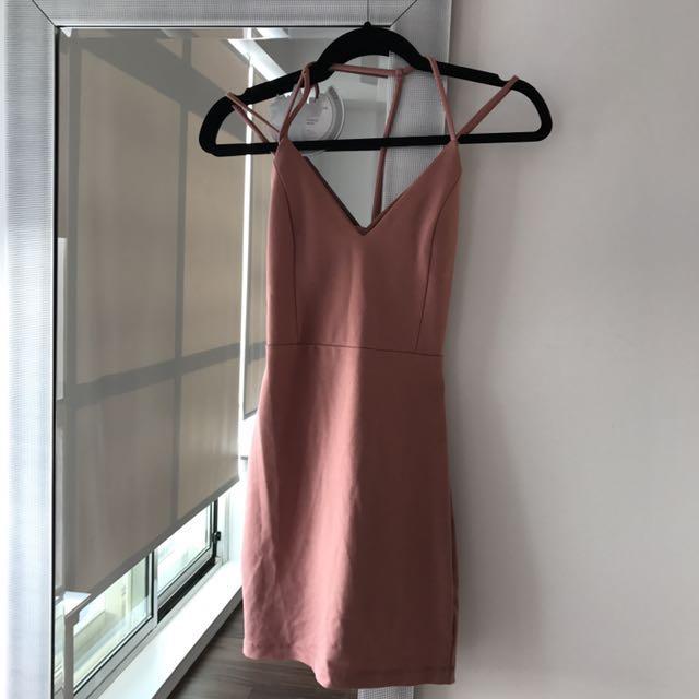 M dress in peach