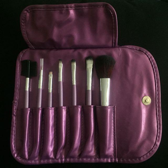 Makeup brush set and bag