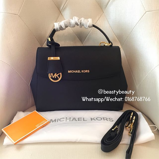 Michael Kors Small Ava in saffiano leather 3e78cf1fbede6
