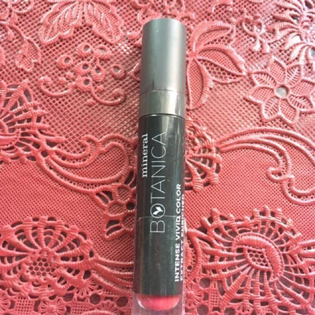 Mineral Botanica Soft Matte Lip Cream 004 Fantasy Fuchsia