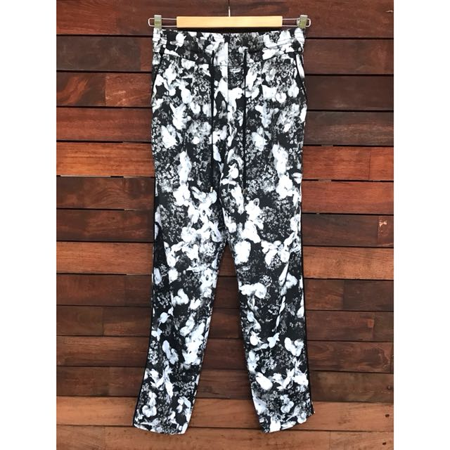 *NEW* Forever New floral printed pants size 6