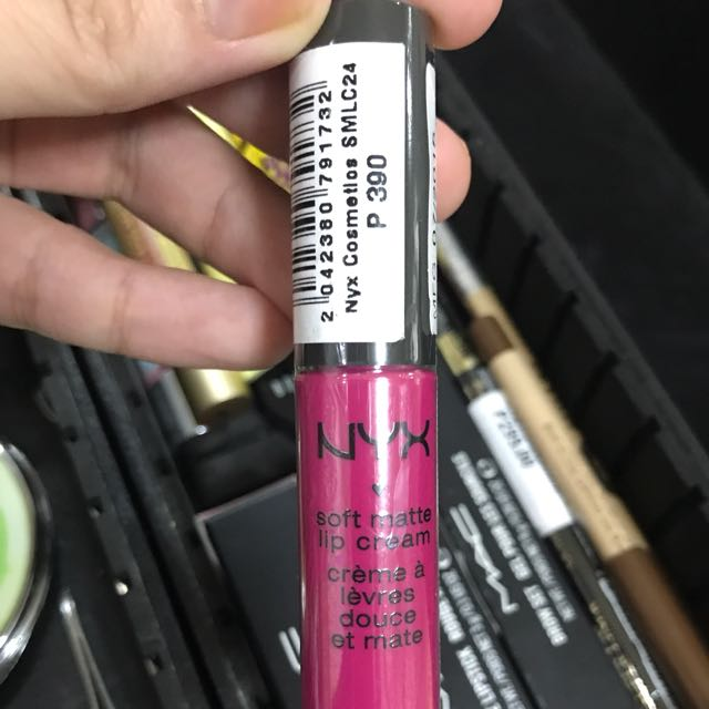 Nyx Soft Matte Lip Cream Paris