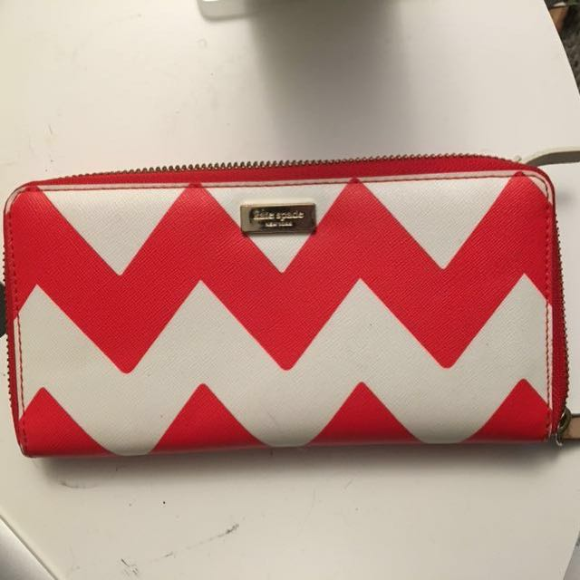 REDUCED | Kate Spade chevron wallet