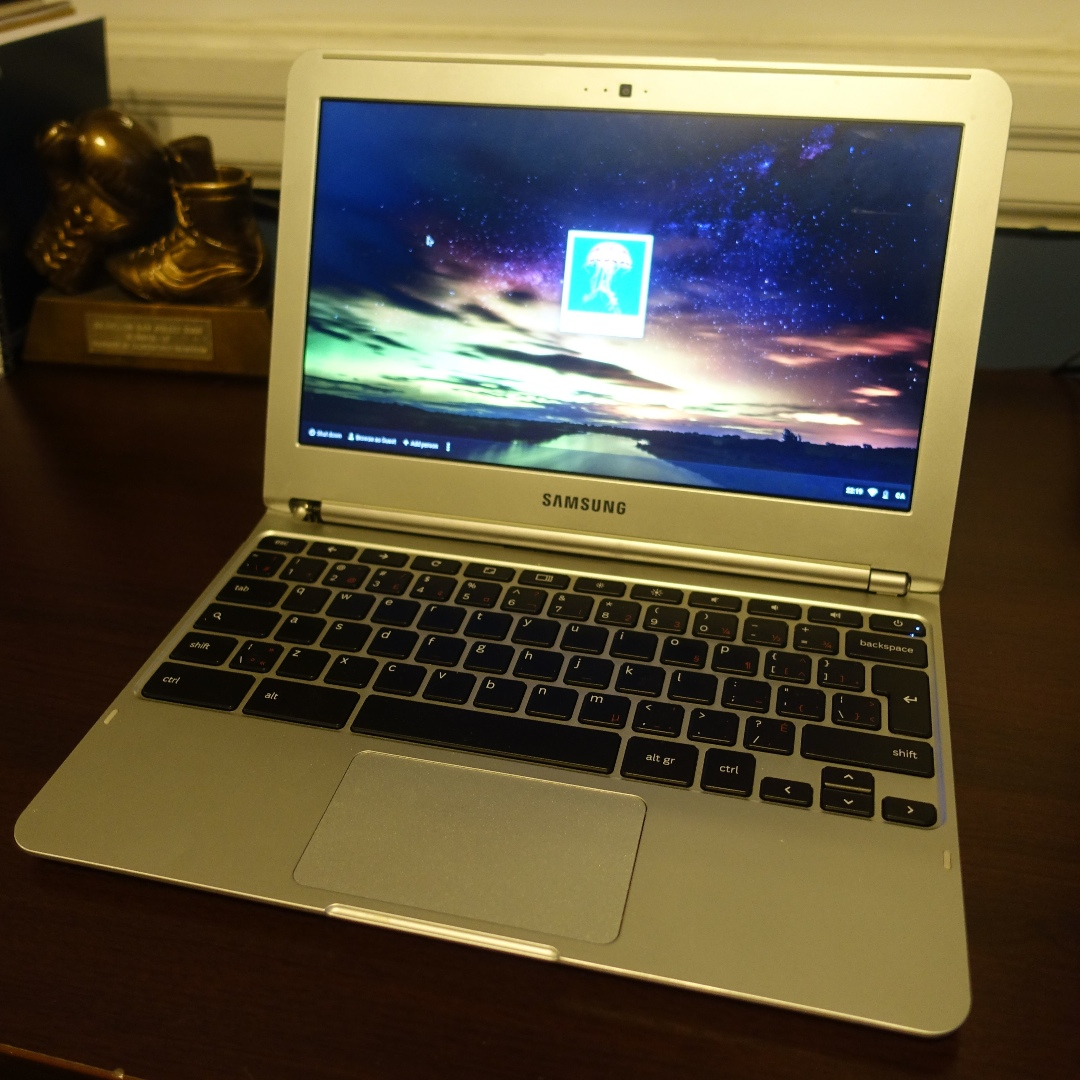 Samsung Chromebook (Wi-Fi, 11.6-Inch) 2013 Model (xe303c12)