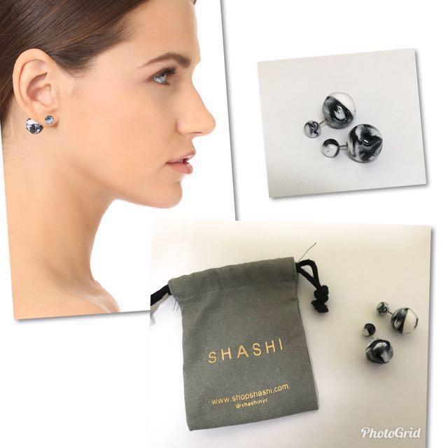 Shashi 大理石紋耳環