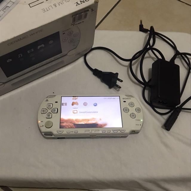 Sony PSP Playstation Portable Slim & Lite