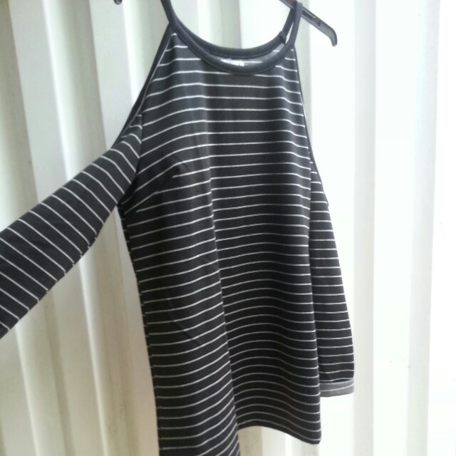 Striped cold shoulder top black and white