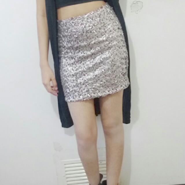 Tight golden skirt
