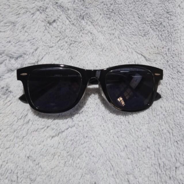 Uniqlo sunglasses