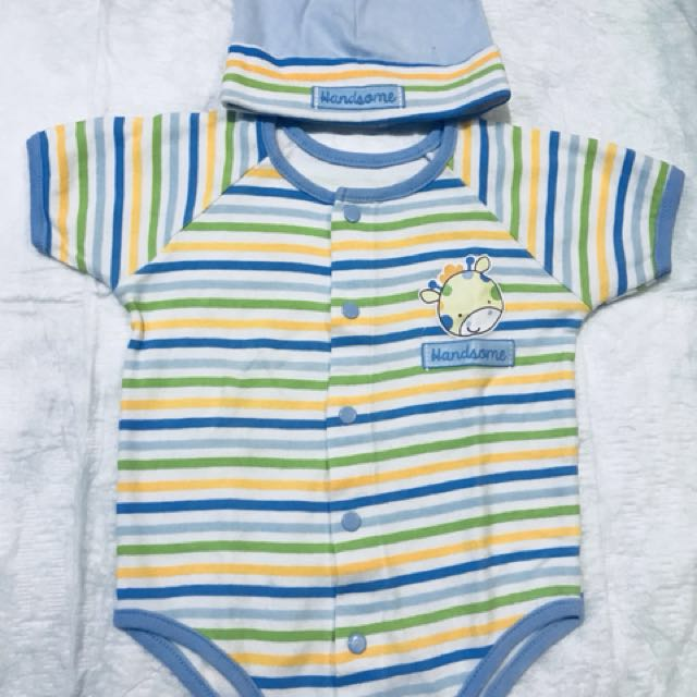 Wee Essentials Onesies w/ Bonnet (Stripes)