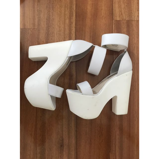 WTS Windsor Smith Luxe Heels - White