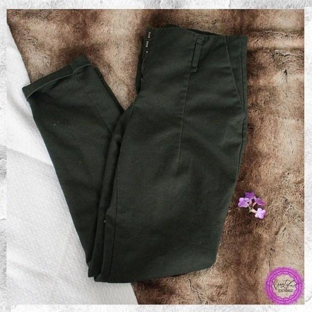 *Price Reduced* Zara Medium Dress Pants