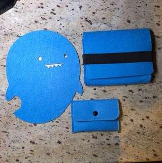 滑鼠墊+電源包 Mouse pads plus accessories bags