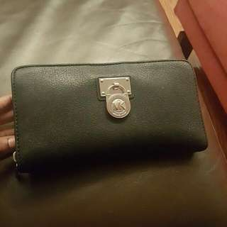 Elegant Michael Kors Purse