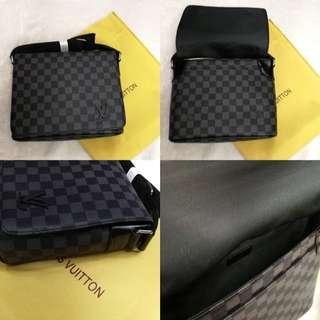 Louis vuitton Sling Bag premium