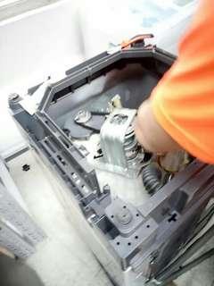 專業維修洗衣機雪櫃