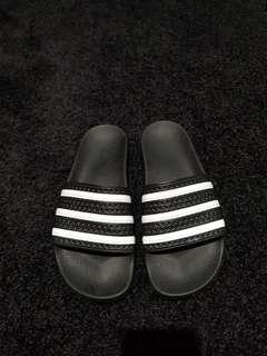 Adidas nike slides
