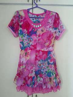 Pretty dress top for teens