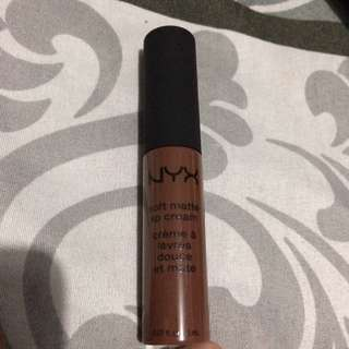 Nyx Berlin Lipcream