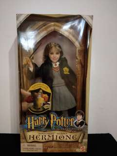 Collectible Hermione doll.  Mattel 50686. Year 2001