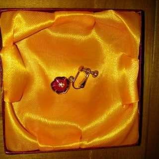 24K金花花夾式耳環一隻