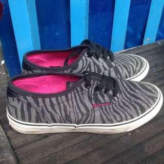 airwalk zebra