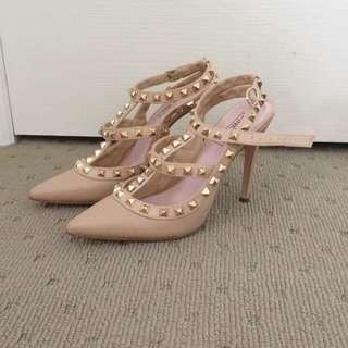 Pink Inc. - Studded heels