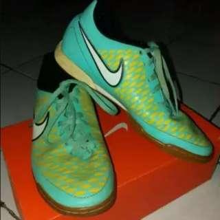 Magista Ola IC Nike Sepatu Bola