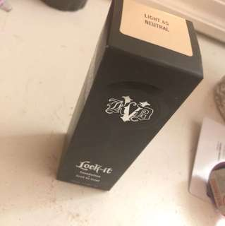 Kat von d lock it foundation