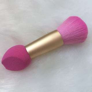 🎀 Pink Makeup Brush + Beauty Blender