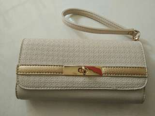 Dompet Putih
