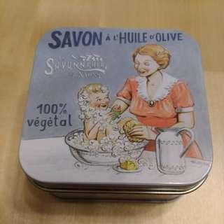 🚚 手工皂--法國La Savonnerie De Nyons 乳油木手工鐵盒香皂系列