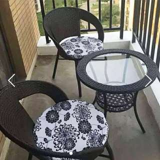 Brand new Outdoor table and chairs
