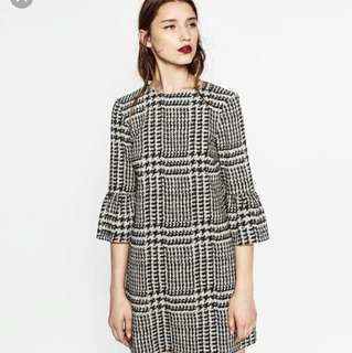 Zara Mini Printed dress with frilled sleeves