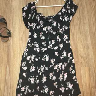 Sportsgirl size 16 but would best fit 14