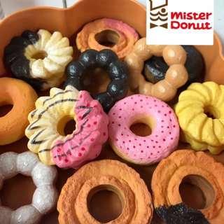《新入荷》🍩超真🍩仿真《日本限定》Mister Donut 🍩多拿滋ミスド家家酒-娃娃公仔配件-zakka雜貨小物