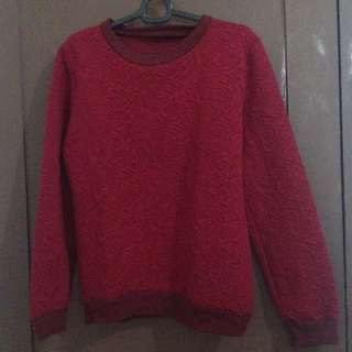 EMBOSS RED SWEATER