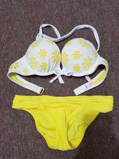 Victoria secret bombshell bikini (pushes 2 size up)