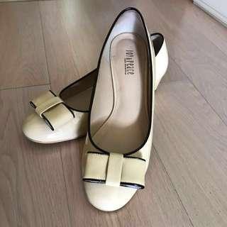 Joy & Peace 米色1吋高皮鞋