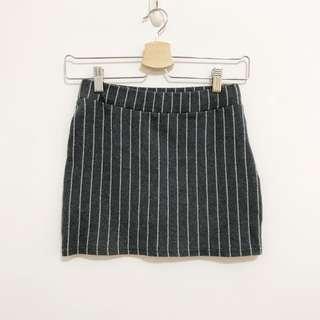 🚚 條紋 彈性 短裙 針織