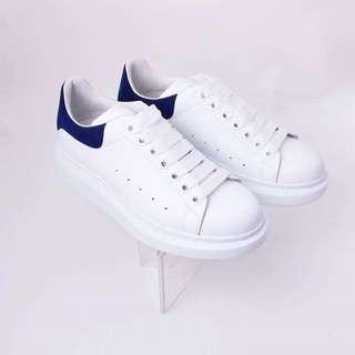 優惠價💓 ALEXANDER MCQUEEN SNEAKERS 海洋藍尾白色波鞋 36碼