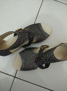Sepatu sandal import size 38