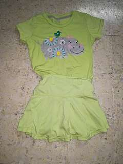 Set of girl's top and skorts