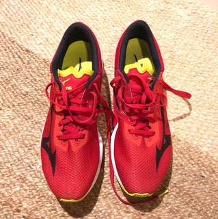 New Mizuno Wave Sonic 10.5 - 34k ran